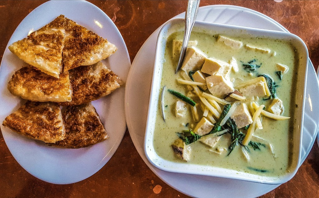 Green curry with tofu and roti at Otus Thai Kitchen and Coffee. Curry up and head back to the Hollywood Fringe! hollywood fringe TheatrEats: Hollywood Fringe Dining Guide Green curry with roti Apr 2016